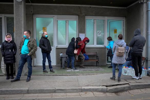Szerbiában bezárhatják az iskolákat