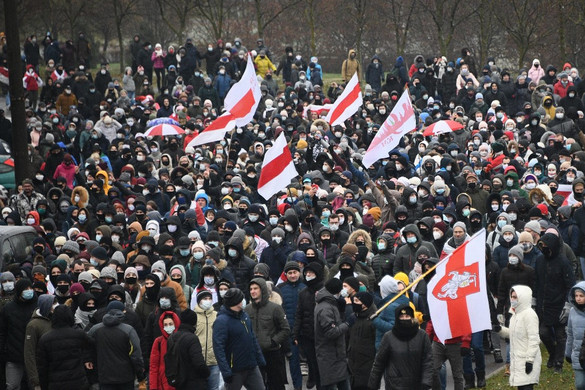Ismét ezrek tüntettek Lukasenka ellen Minszkben