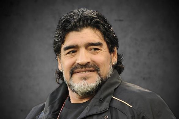 Több tízezer szurkoló rótta le kegyeletét Maradona ravatalánál