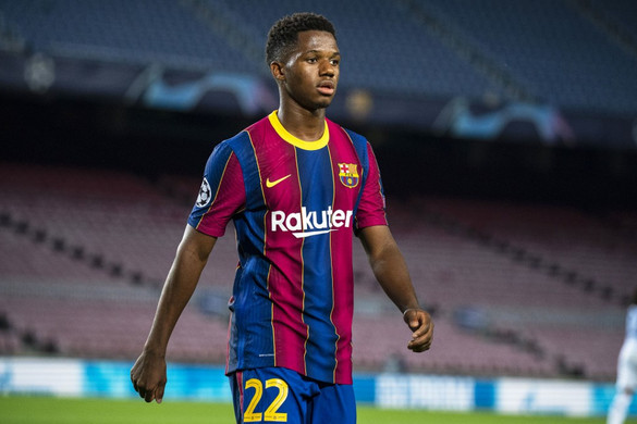Négy hónapig nem játszhat a Barcelona tinisztárja
