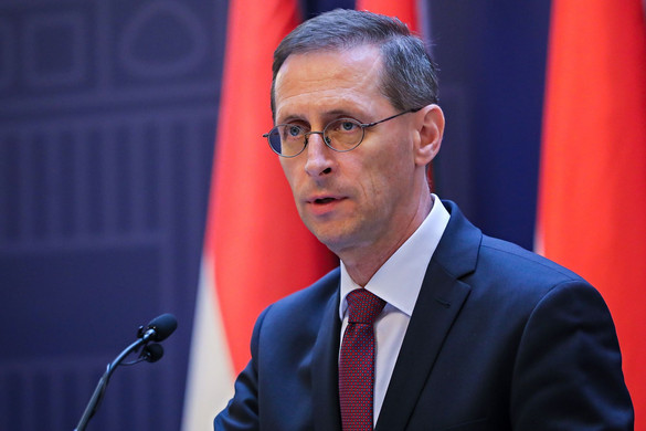 A kormány január végéig meghosszabbítja az 50 százalékos bértámogatást a turizmusban és a vendéglátásban