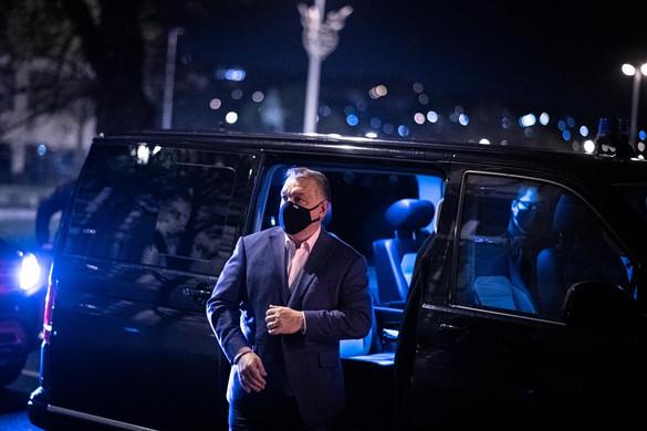 Orbán Viktor betekintést engedett az operatív törzs ülésébe