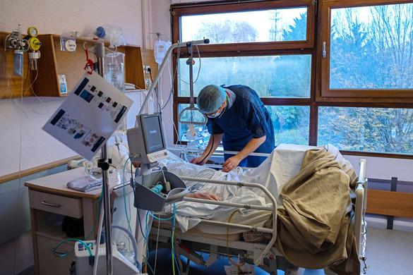 Elhunyt 89 beteg, 1370-nel nőtt a fertőzöttek száma hazánkban