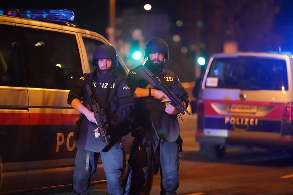 Lövöldözés volt egy bécsi zsinagógánál