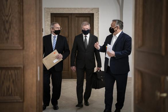 Orbán Viktor: A katonaság is részt vesz a kijárási tilalom betartatásában