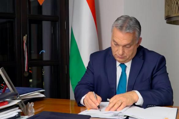 Orbán Viktor aláírta az éjféltől életbe lépő intézkedésekről szóló rendeleteket