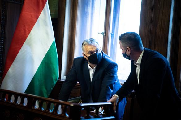 Orbán Viktor elfogadta a kutyatartók javaslatát