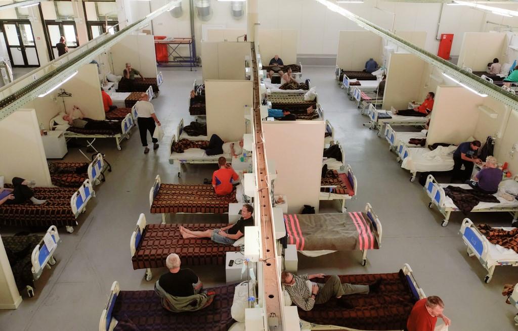 A koronavírusos betegek ideiglenes kórháza Szentpéterváron, a Lenexpo kiállítási komplexumban