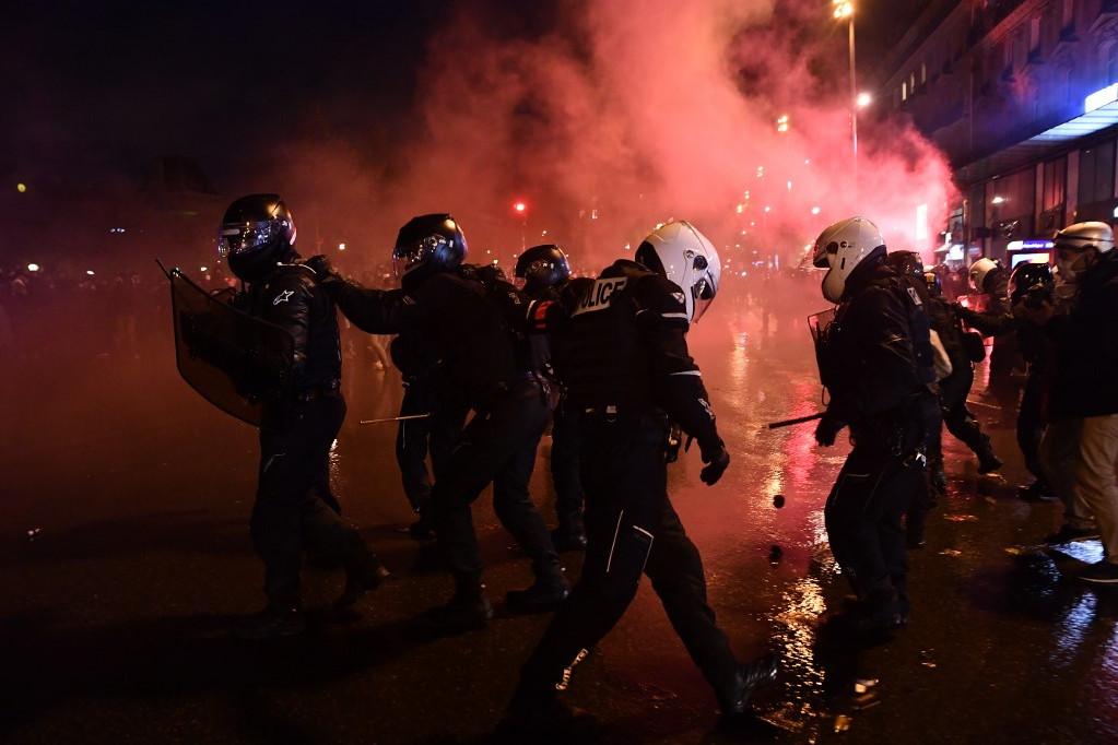 A párizsi rendőrség megelőzte a incidenseket