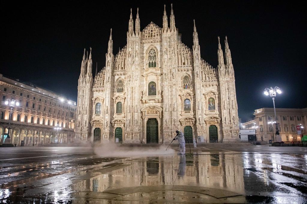 Az olasz kormány az ország teljes lezárására készül az ünnepek alatt