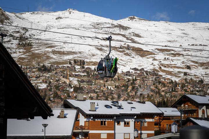 Eltűnt több száz brit turista egy svájci síparadicsomból