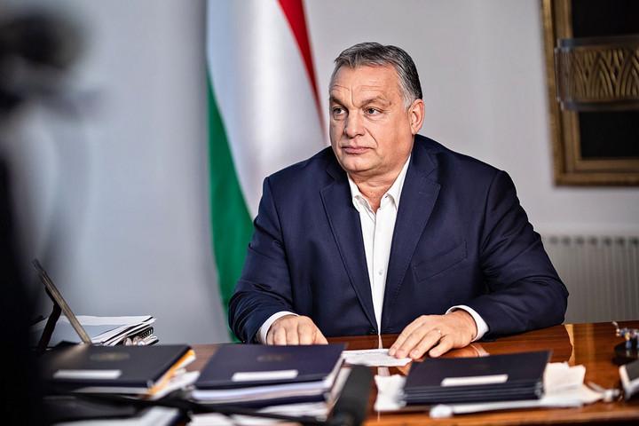 """""""Boldog új évet, Magyarország"""""""