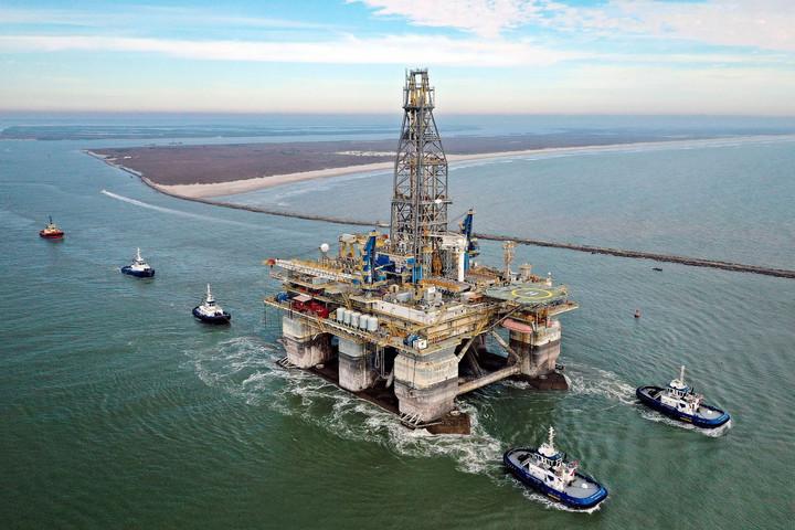 Átalakul a stratégia a világ olajiparában
