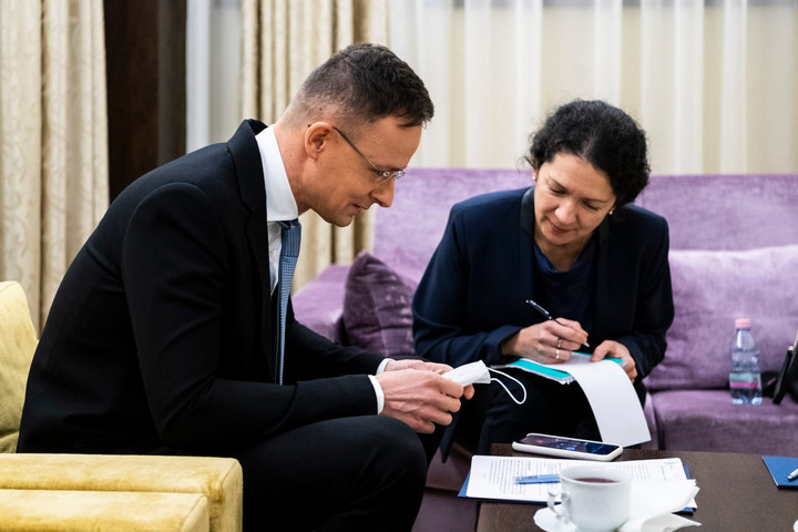 Szijjártó Péter az új orosz energiaügyi miniszterrel tárgyalt