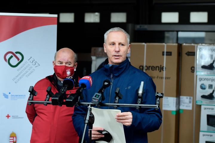 Négymillió forint értékű eszközadomány érkezett a Heim Pál gyermekkórházba