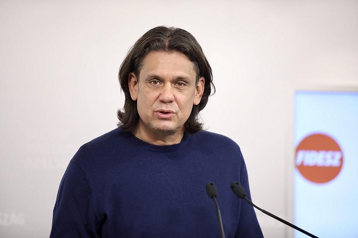 Deutsch: Magyar Gábort az Európai Bizottságnak azonnal vissza kell hívnia