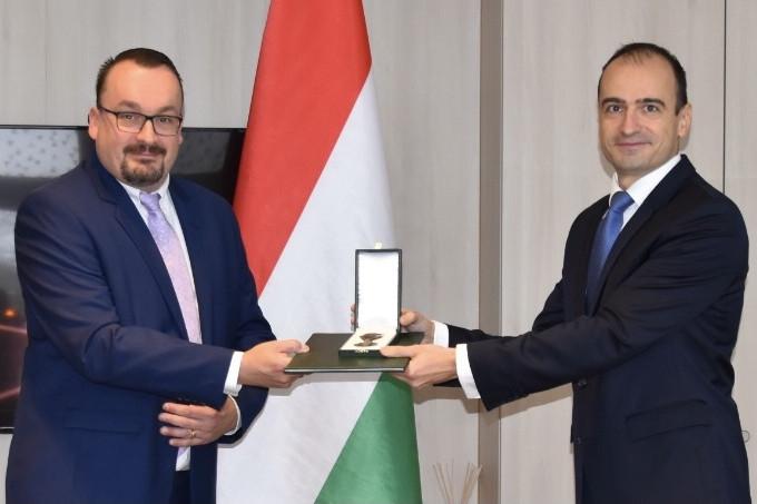 Holland támogatás Magyarországnak