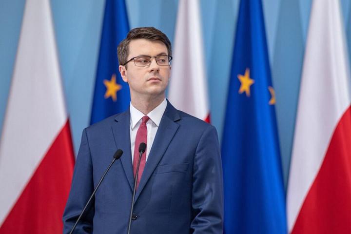 """""""Varsó kiáll a lengyel-magyar álláspont mellettaz uniós források ügyében"""""""