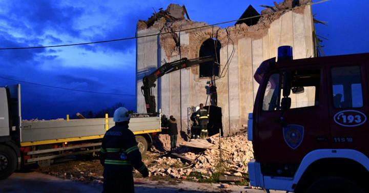 Petrinjában egy iskola, Zazinában egy templom felújításában vesz részt Magyarország