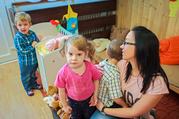 KDNP: A nők családban betöltött szerepe pótolhatatlan kincs