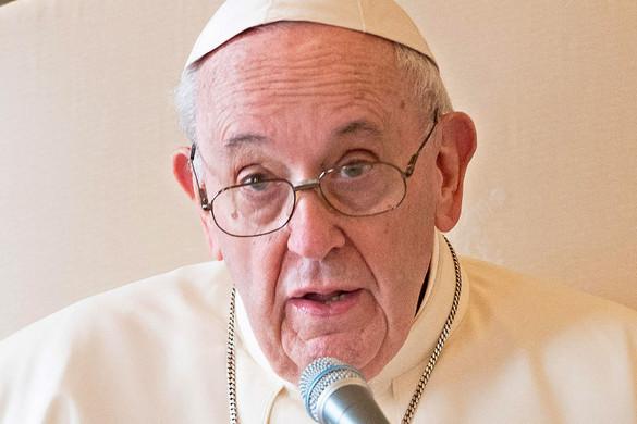 Ferenc pápa: A jelenlegi helyzet hősei olyan emberek, akiket gyakran elfelejtenek