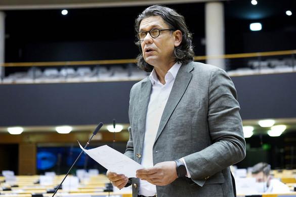 Deutsch: Brüsszelben is ki kell állni a magyar érdekekért