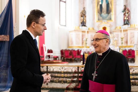 Tadeusz Kondrusiewicz érsek visszatérhetett Minszkbe