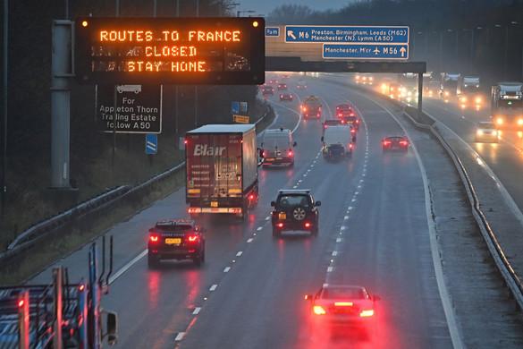 Olaszország bezárt, Ausztria szigorít, áll a forgalom Dovernél