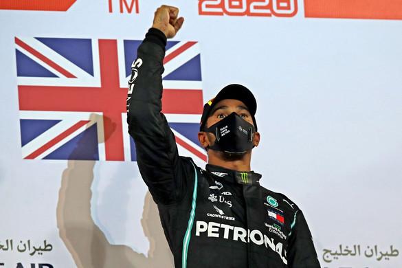A szavazáson sem tudták megelőzni Lewis Hamiltont