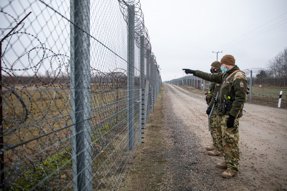 Több mint 42 ezer határsértőt fogtak el idén