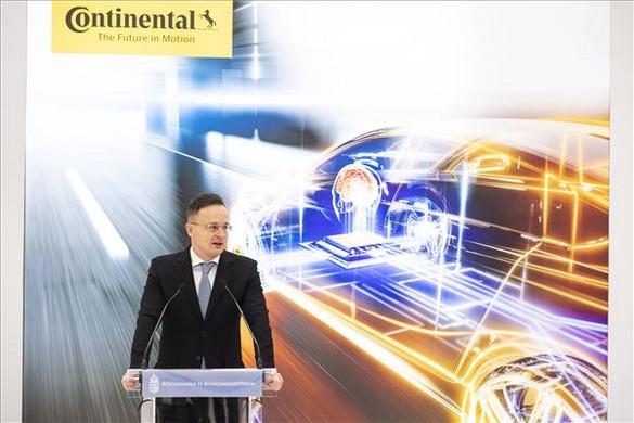 Szijjártó: A magyar gazdaság életerejét mutatják a cégek beruházásai