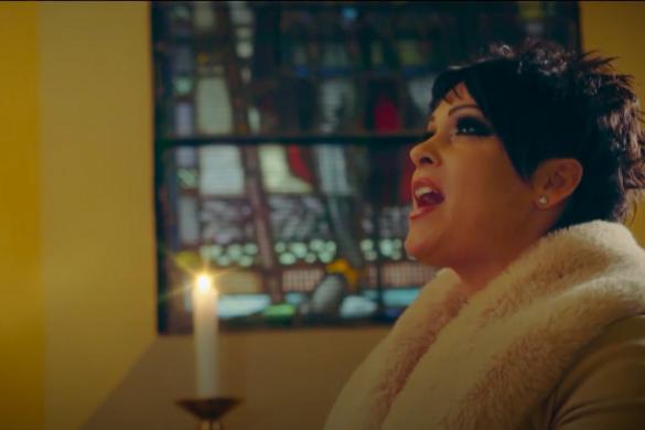 Karácsonyi dallal készült az ünnepi időszakra Ress Hajnalka