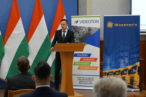 Újabb 8,7 milliárd forint vállalati beruházást támogat a kormány