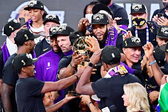 Csúcsjavítása készül  a címvédő Lakers
