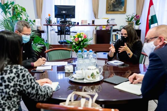 Három családszervezettel egyeztetett Novák Katalin