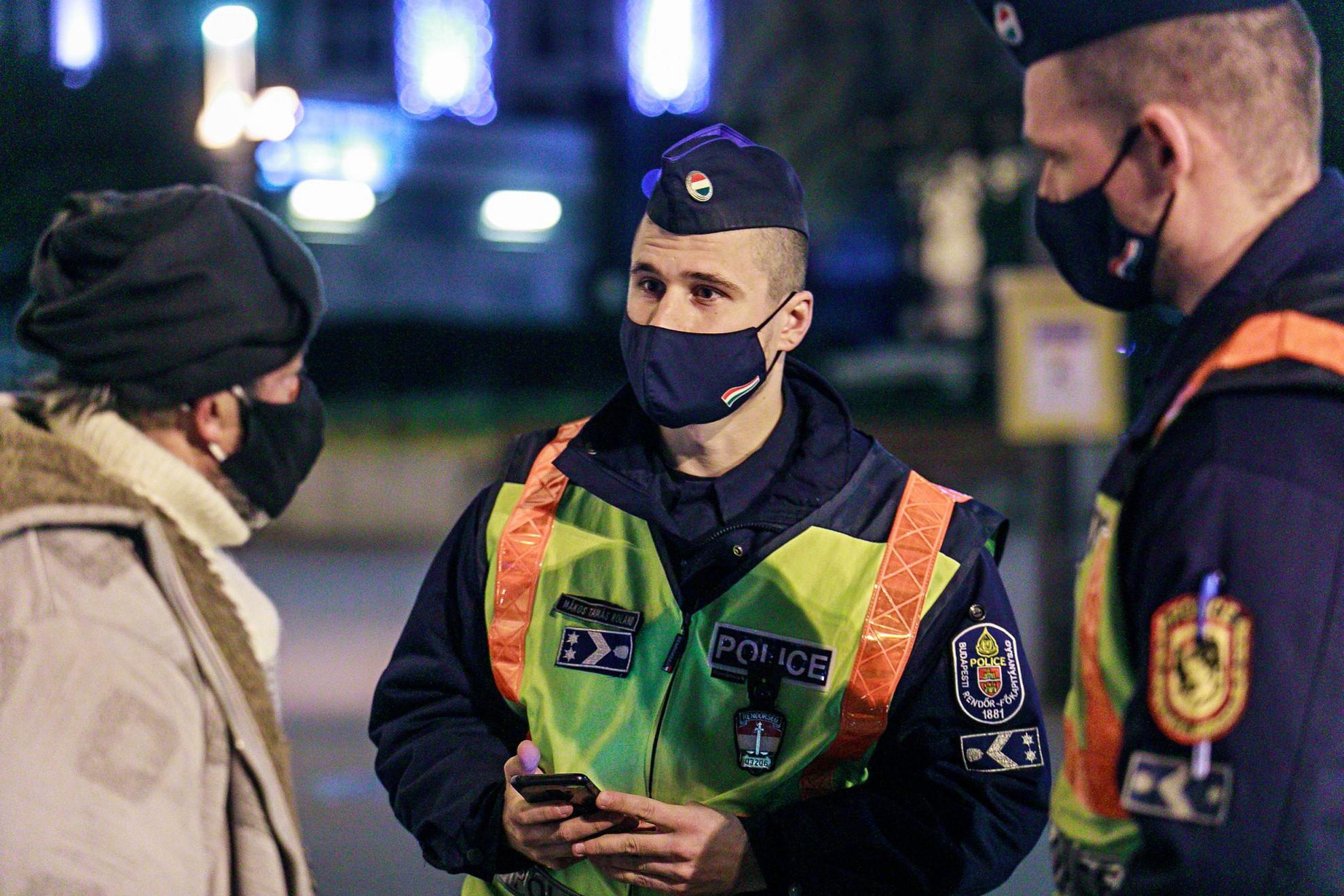 Folyamatos a rendőri jelenlét, az ellenőrzés az utcákon