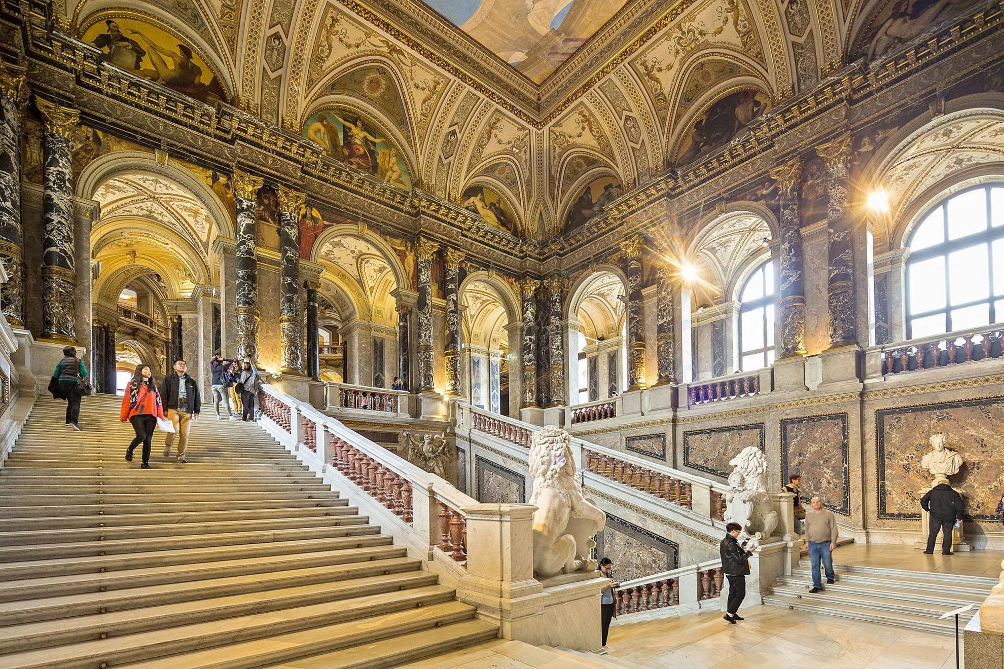 Az intézmény évi több mint egymillió látogatót vonz különleges kiállításaival