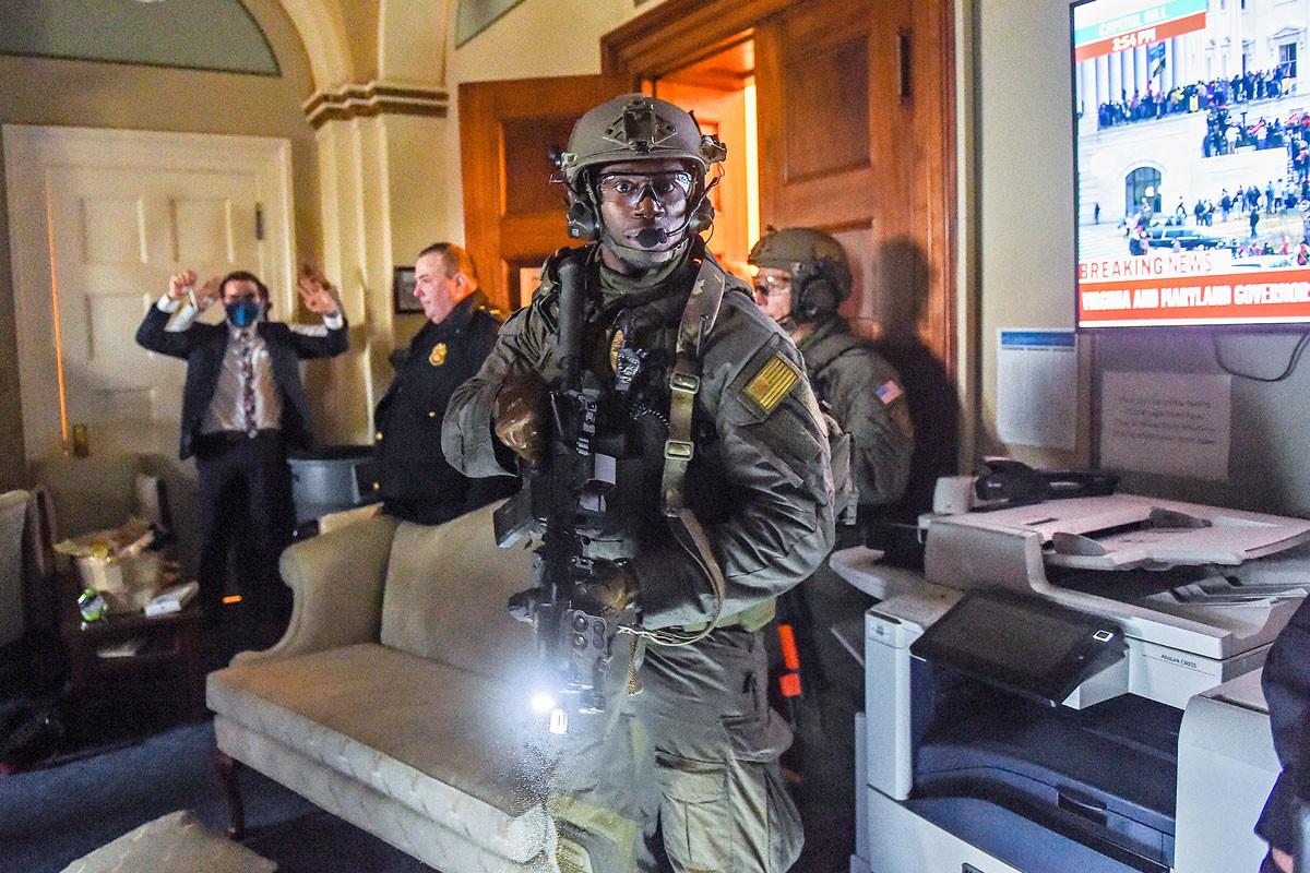 A capitoliumi rendőrség különleges erőit is be kellett vetni a rend helyreállítására