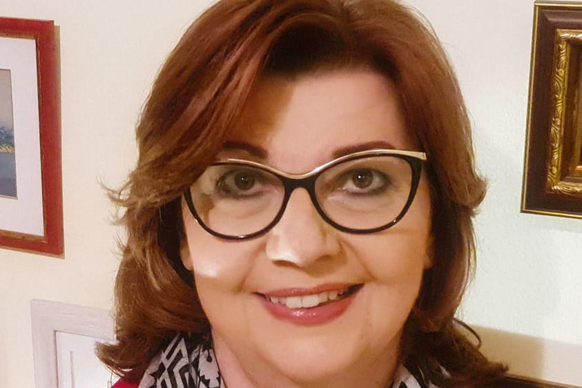 Gy. Németh Erzsébet az állami információs plakátok megrongálásával kíván médiafigyelmet és támogatottságot kiharcolni