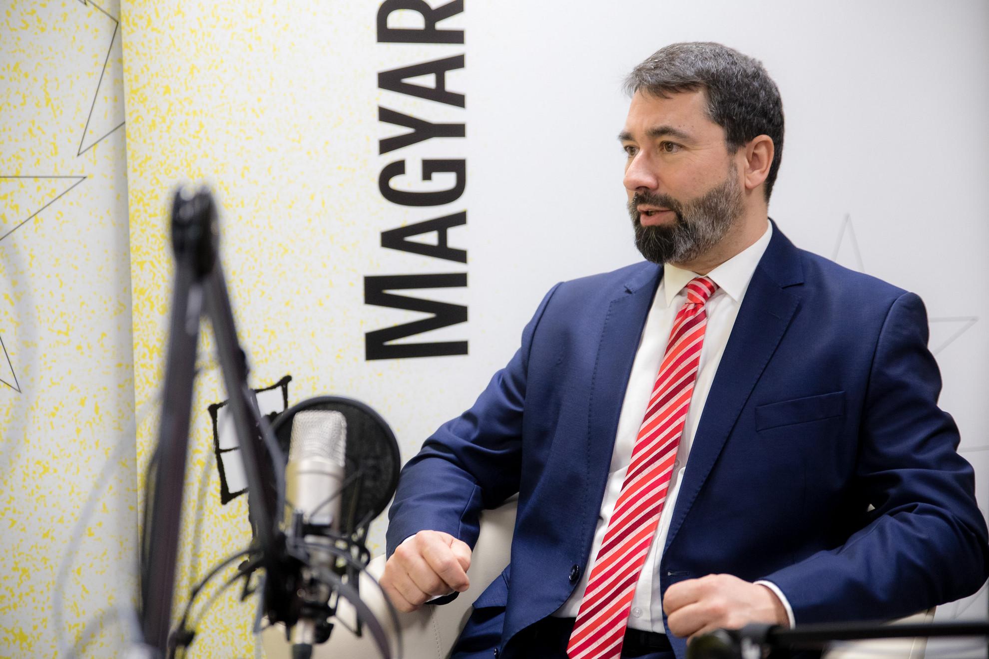 Hidvéghi Balázs, a Fidesz-KDNP európai parlamenti (EP-) képviselője a Magyar Hírlap Faktum című podcastjának felvételén