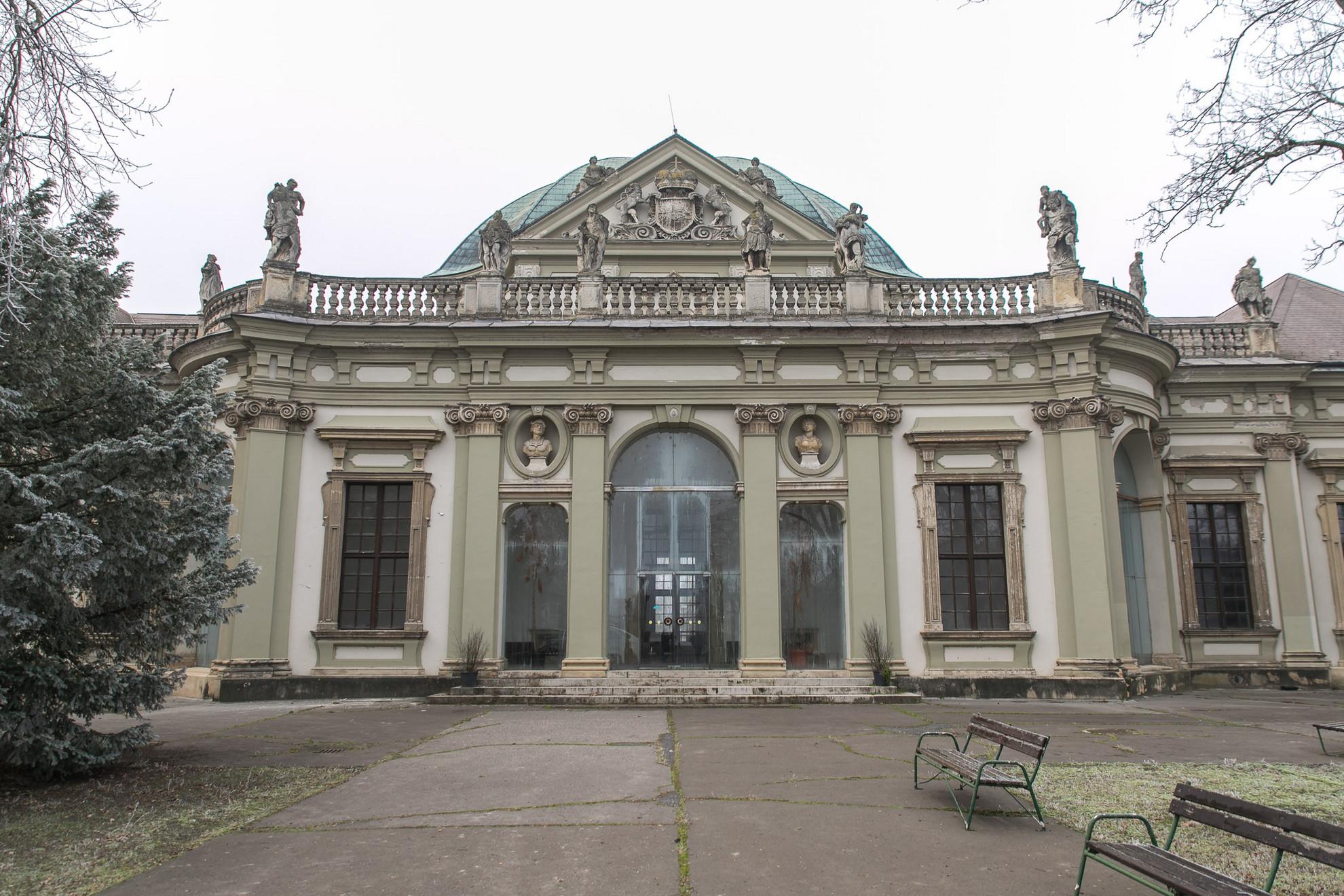 A kastély Savoyai Jenő, korának egyik legkiválóbb stratégája, Európa egyik legbefolyásosabb embere számára épült