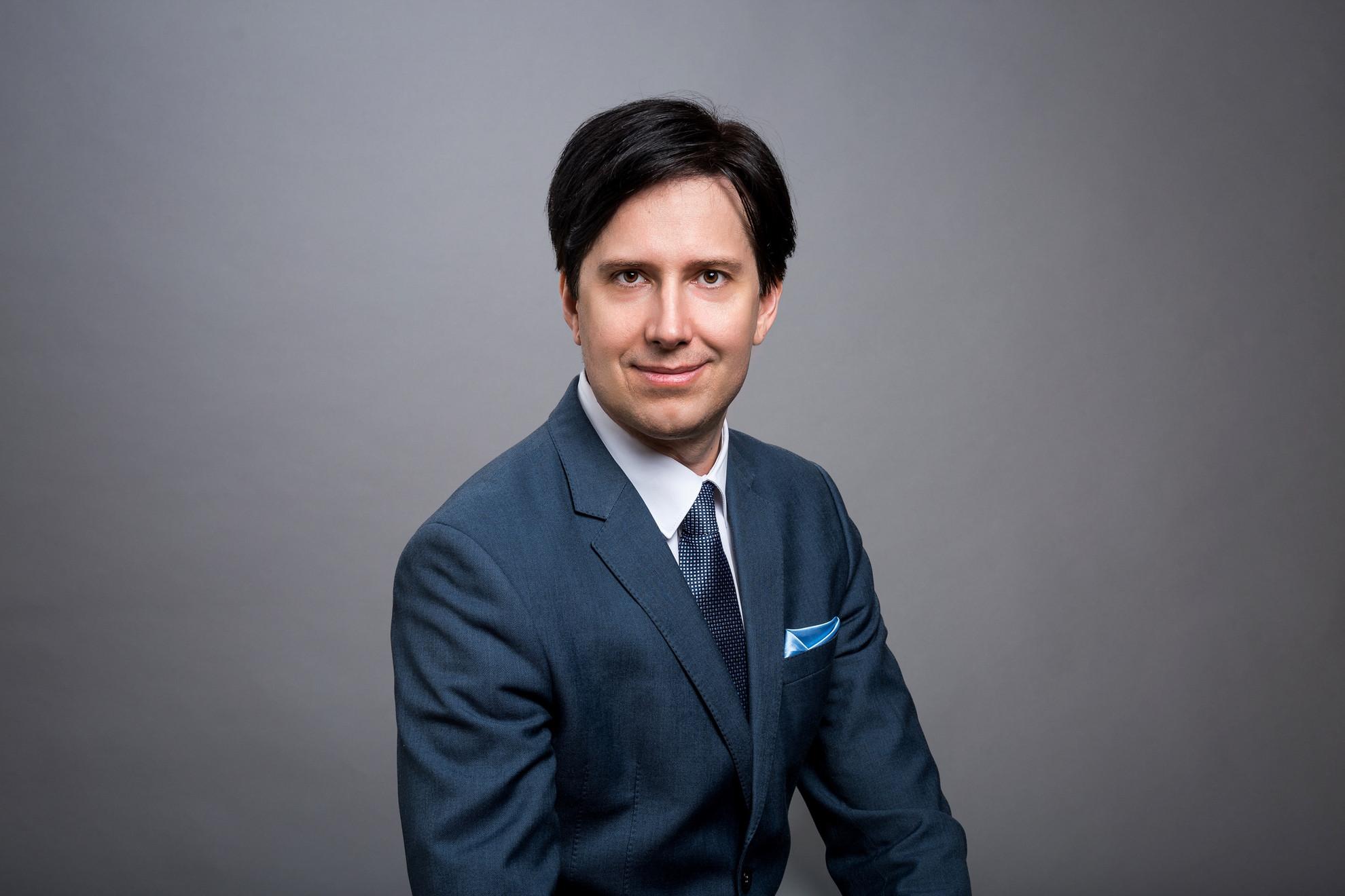 Papp-Váry Árpád a Budapesti Metropolitan Egyetem Üzleti, Kommunikációs és Turisztikai Kar dékánja, a Magyar Marketing Szövetség alelnöke