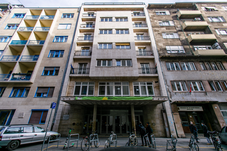A Vas utcai épület semmiben sem felel meg a korszerű követelményeknek