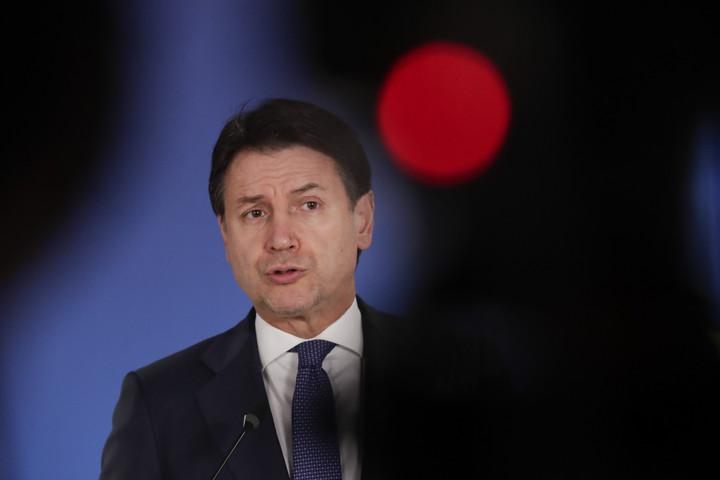Giuseppe Conte miniszterelnök távozását sürgetik Olaszországban
