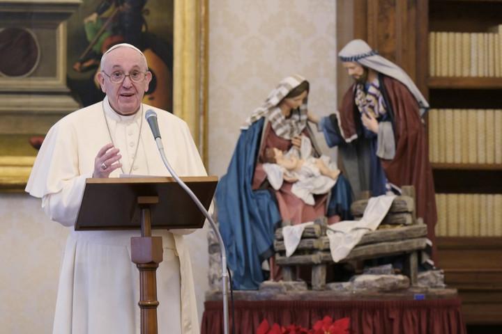 Ferenc pápa az emberek közötti békét sürgette újévi beszédében