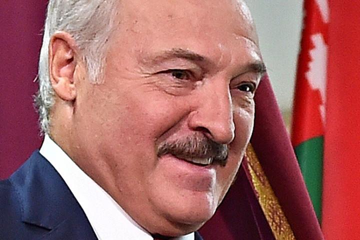 Aljakszandr Lukasenka népszavazást ígért a fehérorosz alkotmány módosításáról