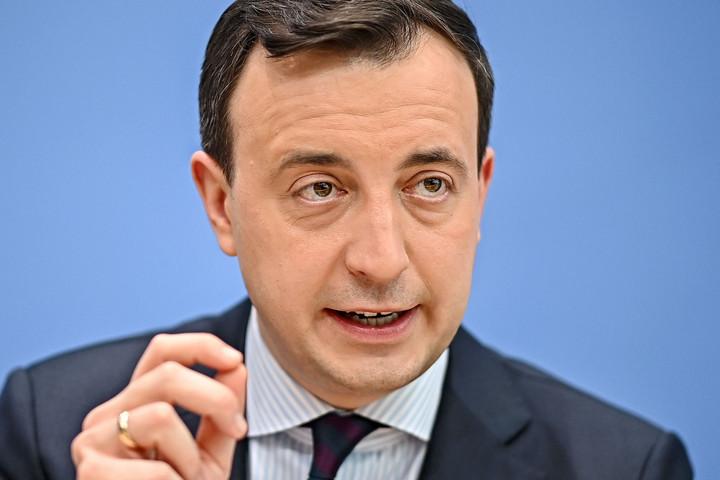 Hátat fordítottak szavazóiknak a német szociáldemokraták Ziemiak szerint