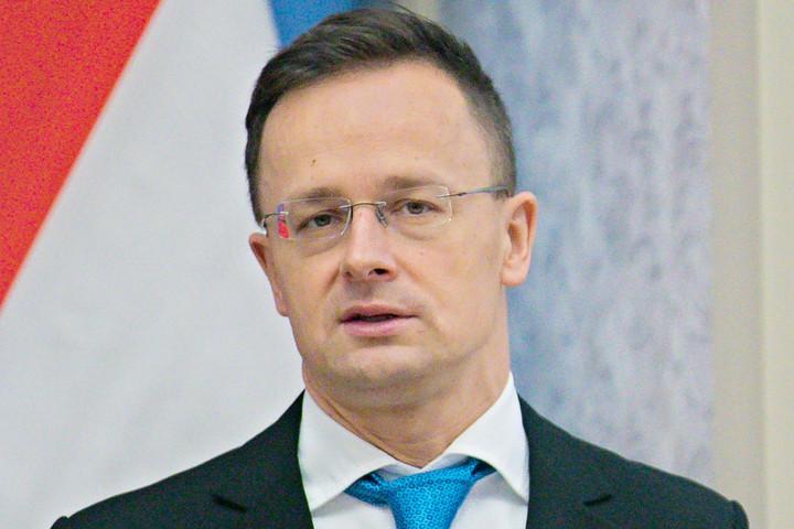 Szijjártó Péter üdvözlőlevelet küldött három új amerikai miniszternek