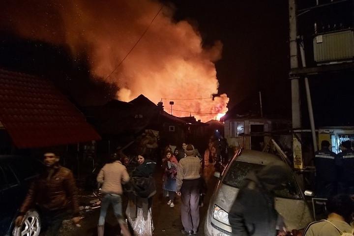 Lángok Csíksomlyó felett