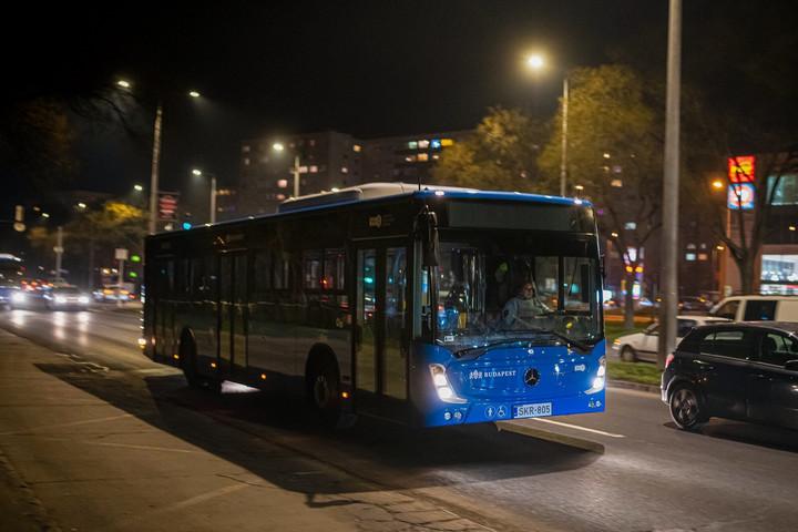 Újabb 17 busz érkezett Budapestre